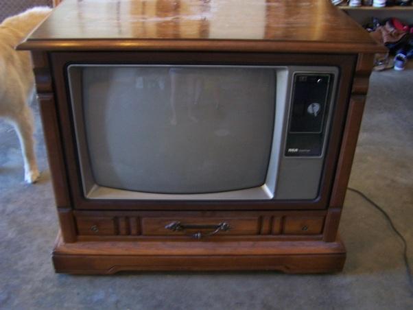 console television sets super retromania. Black Bedroom Furniture Sets. Home Design Ideas